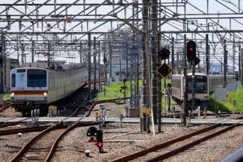 2021年8月1日。所沢。左がメトロ7028Fの6808レ。電留線には4801F〜1804レで折り返す57K運用の東急4102F。