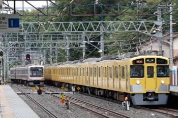 2021年8月8日。仏子。2465F+2077Fの2119レと、中線から発車した東急5162Fの13K運用・上り回送列車。