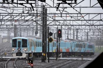 2021年8月15日 11時34分頃。所沢。西武新宿から、池袋線4番ホームへ到着する4009Fの下り列車。