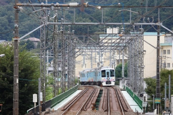 2021年9月5日 12時10分頃。仏子〜元加治駅間。入間川橋梁を渡ろうとする4009Fの下り列車。