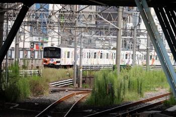 2021年9月13日 10時0分。池袋。発車した東武東上線の川越特急。