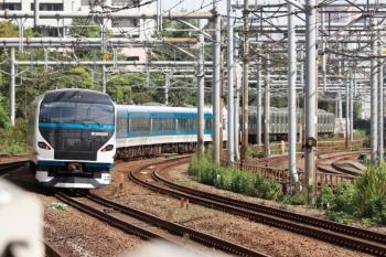 2021年9月13日 8時51分頃。新大久保。E257系2000番代の北行回送列車。
