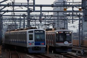 2021年9月13日。石神井公園。ということで6153Fの6593レの発車です。隣にはSDGsの東急5121Fが出番待ち。