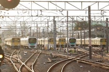 2021年9月16日。上石神井。左から、2459F+2511F+2517Fの回送列車と38110Fの5803レ、ほか。