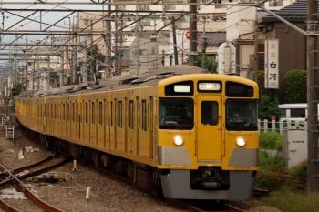 2021年9月16日 5時57分頃。田無。1番ホームを通過する2517F+2511F+2459Fの上り回送列車。