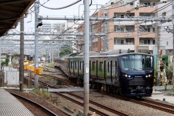 2021年9月28日 9時25分頃。北池袋。JRの板橋駅電留線から出てきた相鉄12004Fの回送列車。