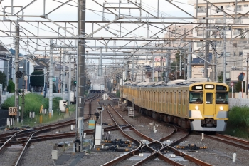 2021年9月28日 5時57分頃。田無。通過する2529F+2543F+2417Fの上り回送列車。