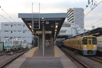 2021年9月29日。東長崎。右から、2461F+2069Fの4103レ、20158Fの5204レ、Dr.Multiとモーターカー。