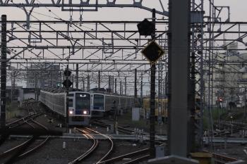2021年9月29日 5時31分頃。所沢。6155Fと2089Fが寝ている横を通過する6106Fの上り回送列車。