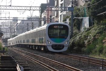2021年10月8日。新井薬師前〜沼袋駅間。30106Fの2609レ。