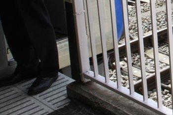 某月某日の所沢駅3番ホームの飯能方